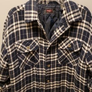 Wrangler Shirts - Wrangler Mens Quilted button up Work Shirt size sm